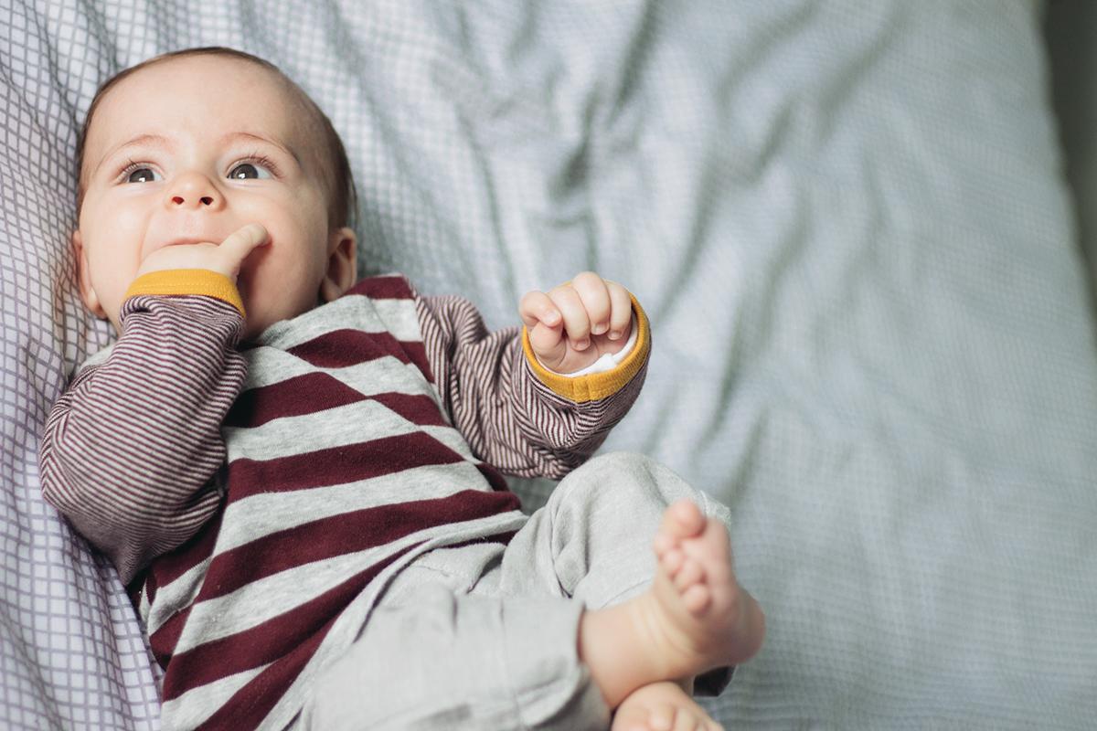 Yellow Savages NewBorn Fotografia de Recém Nascido