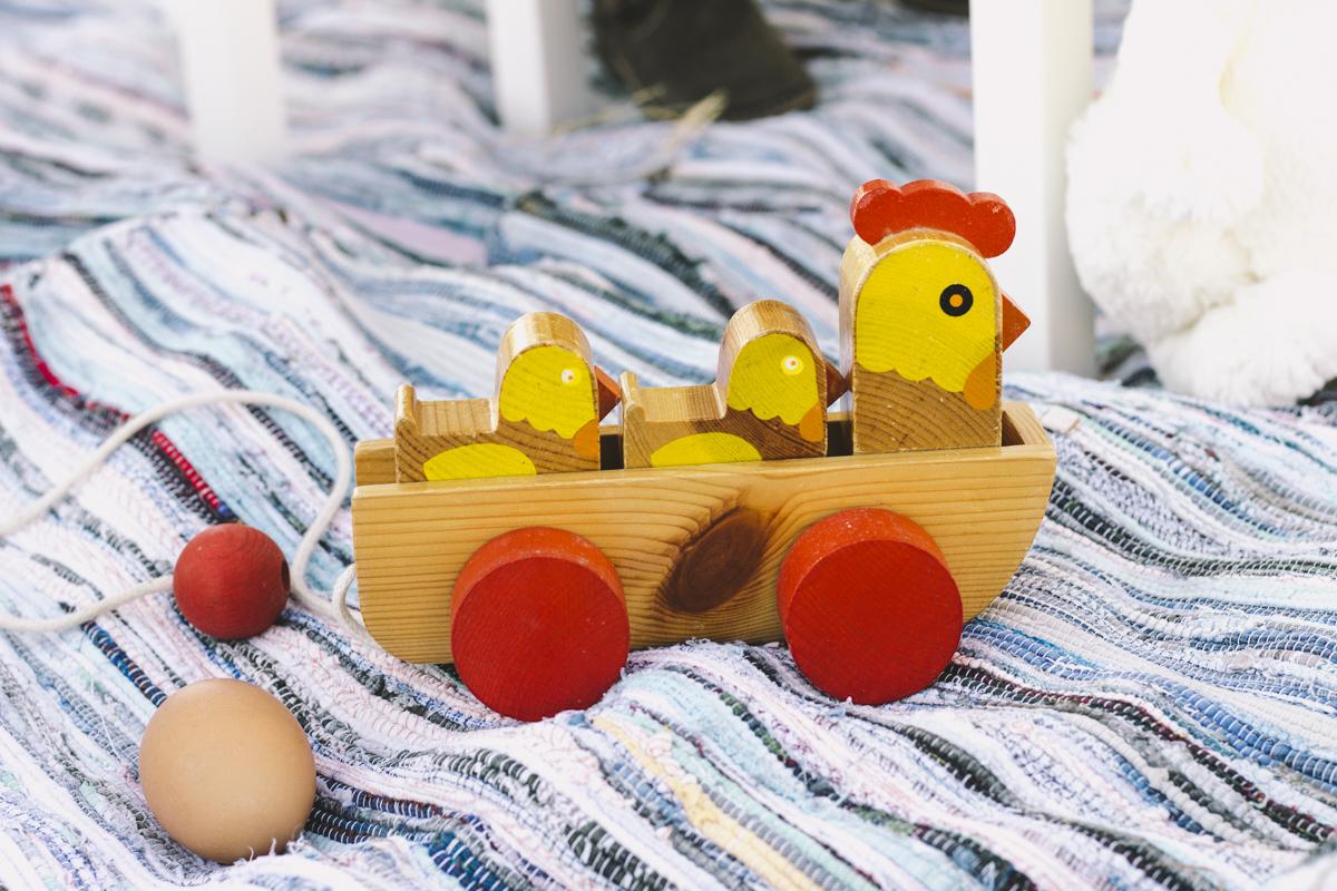 Yellow Savages brinquedo vintage de galinha e pintainhos