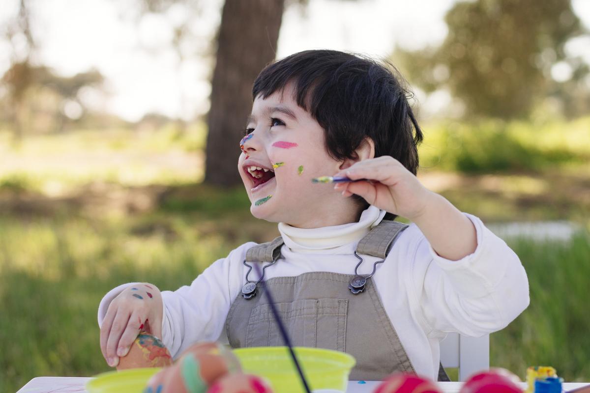 Yellow Savages atividades para os miúdos Pintar ovos da Páscoa